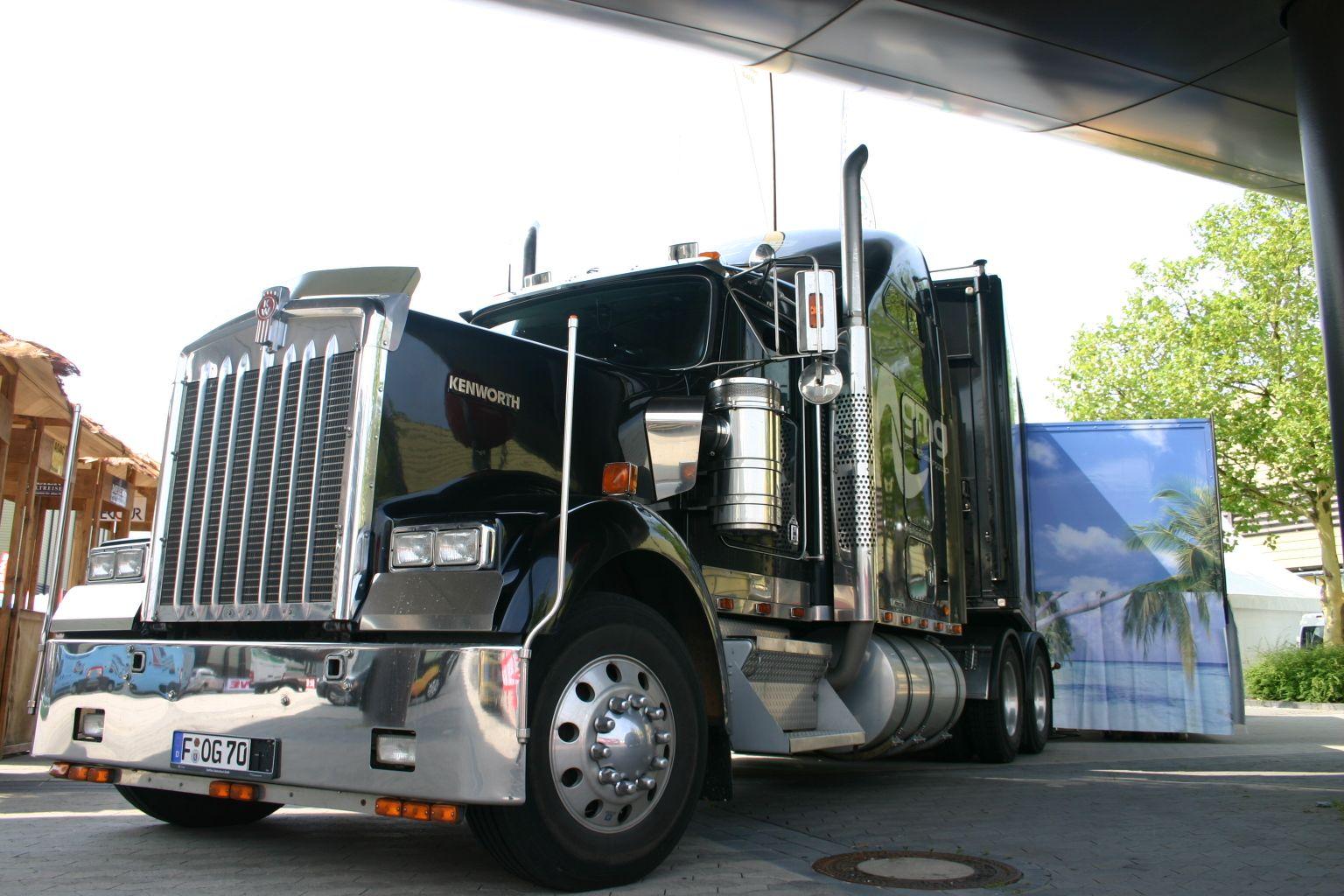 Oliver Gerhardt Show Truck
